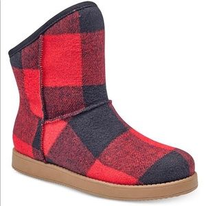 indigo rd. red and black boots